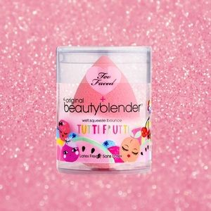 Too Faced Makeup - LIMITED EDITION Too Faced Beauty Blender
